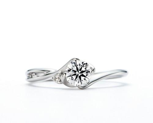 WLダイヤモンドの婚約指輪|煌・辰星