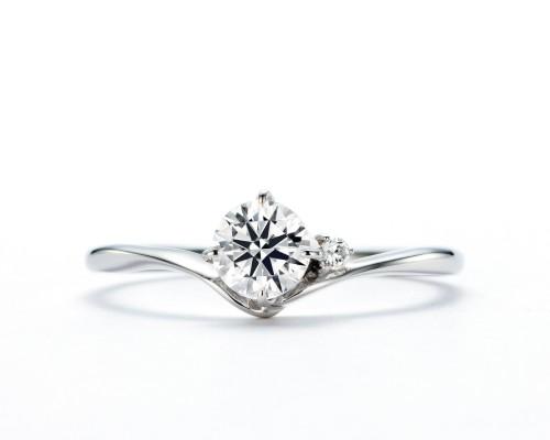 WLダイヤモンドの婚約指輪|煌・羽白星