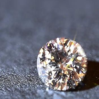 館林工房のダイヤモンドの輝き