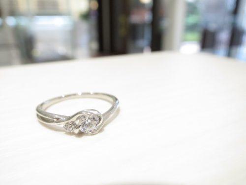輪高崎工房の婚約指輪 IMG_6335
