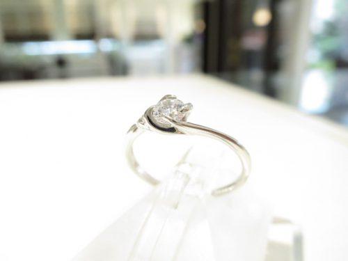 輪高崎工房の婚約指輪 IMG_6337
