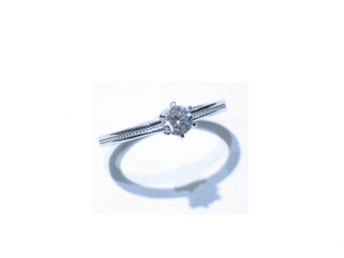 輪高崎工房の婚約指輪|IMG_7168