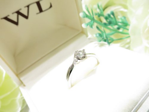 輪ファミリーの婚約指輪|IMG_7891