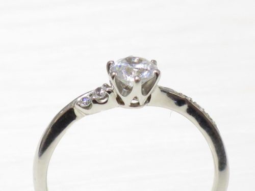 輪高崎工房の婚約指輪 IMG_8541