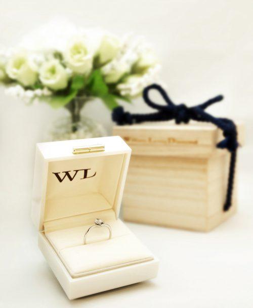 輪高崎工房の婚約指輪|桐箱12