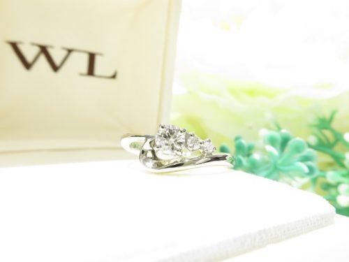 輪ファミリーの婚約指輪|IMG_2383