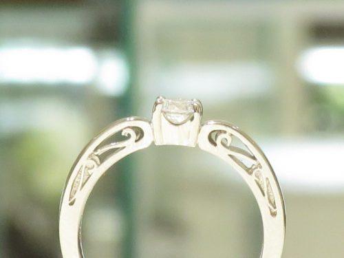 輪の婚約指輪|img_3246