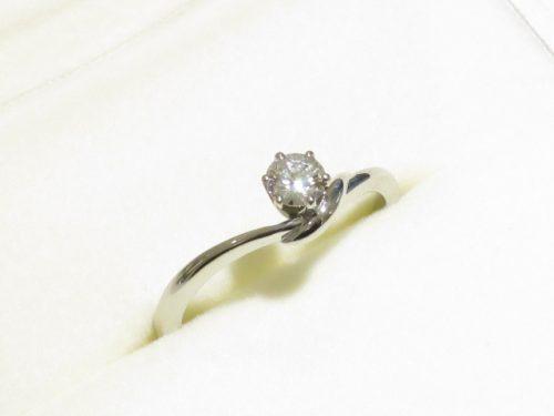 輪ファミリーの婚約指輪|img_7704