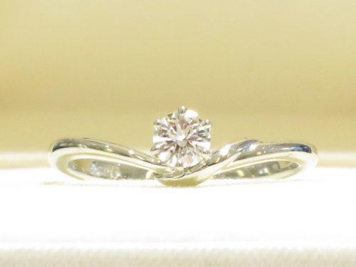 輪ファミリーの婚約指輪|img_7706