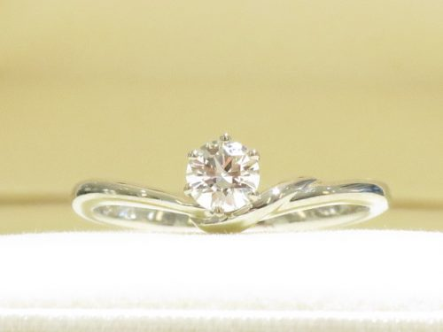 輪ファミリーの婚約指輪|img_7709