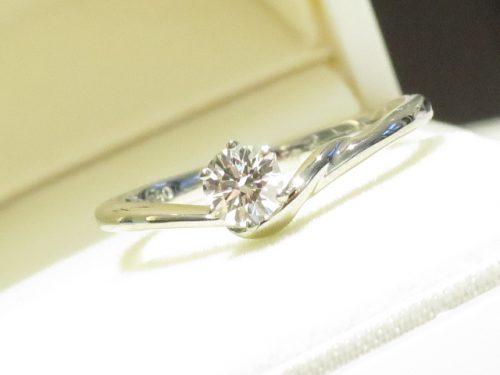 輪ファミリーの婚約指輪|img_7710